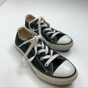 Converse all star low tops size 1